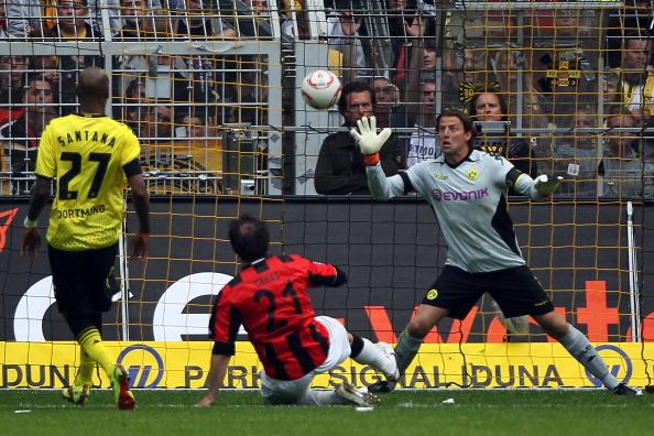 161 16051Borus 11 - «Боруссия» победила  «Айнтрахт»  со счетом 3:1 и стала чемпионом  Германии в бундеслиге.  Фоторепортаж с матча
