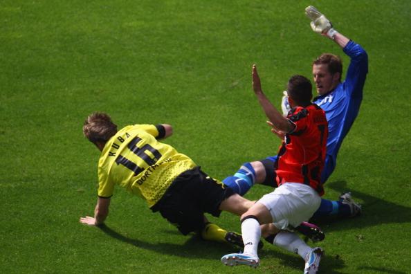 161 16051Borus 34 - «Боруссия» победила  «Айнтрахт»  со счетом 3:1 и стала чемпионом  Германии в бундеслиге.  Фоторепортаж с матча