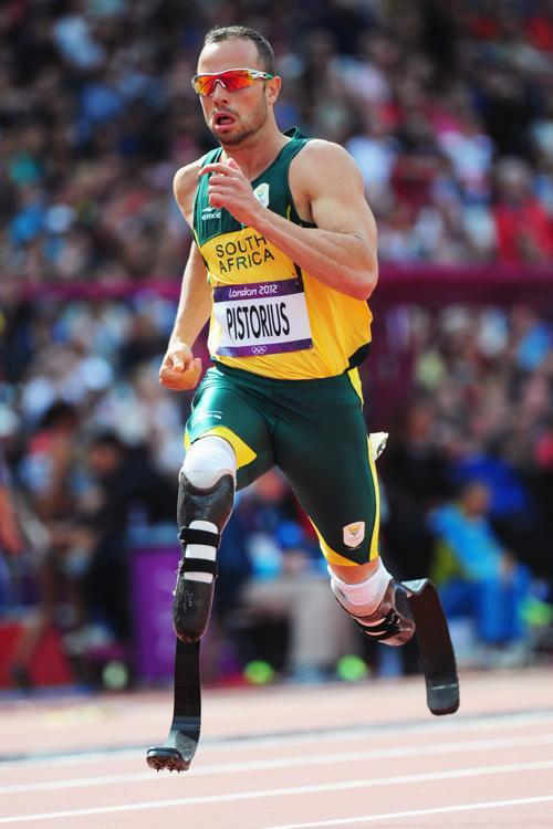 Писториус — «Бегущий по лезвию бритвы», на протезах пробежал 400 м вторым и вышел в полуфинал