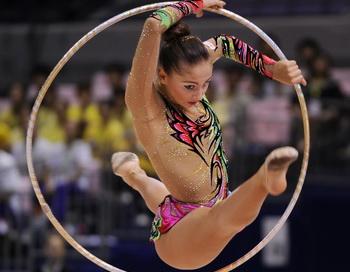 163 010210 02 XG - Евгения Канаева и Дарья Кондакова выиграли Кубок мира по художественной гимнастике