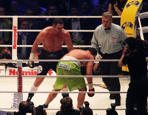 Кличко остается чемпионом мира в тяжелом весе. Фоторепортаж
