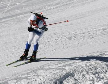 Андрей Тургенев одержал победу по биатлону в индивидуальной гонке