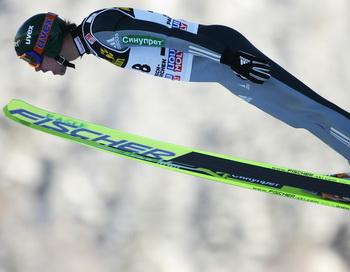 163 020310 LsTr - На чемпионате России в прыжках на лыжах с трамплина  выиграла первая сборная Москвы
