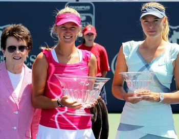 Мария Шарапова проиграла финал теннисного турнира в Стэнфорде