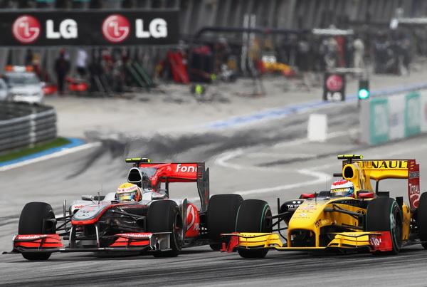 163 040410 00003 gonki - Формула-1: Виталий Петров вновь сошел с трассы. Фото