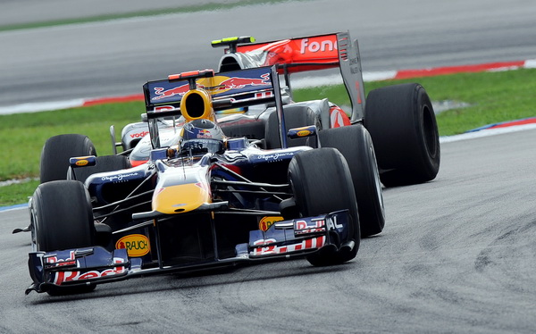 163 040410 0003 gonki - Формула-1: Виталий Петров вновь сошел с трассы. Фото