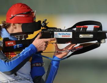 163 050310 Dbiatlon - Российские биатлонистки выиграли бронзу в эстафете 4х7,5 км