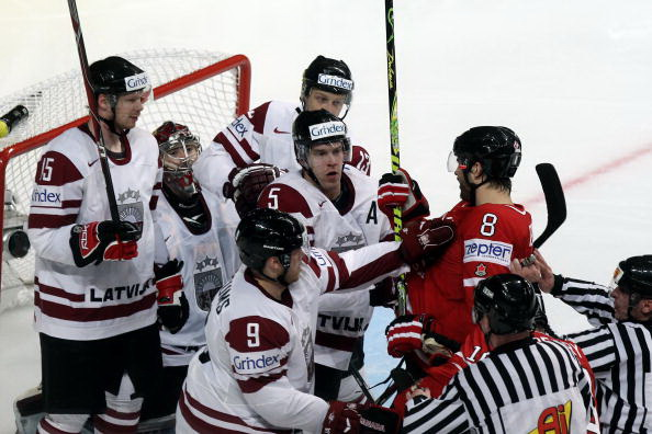 163 110510 13 NXLkan - ЧМ-2010: Канадцы разгромили латвийцев. Фоторепортаж