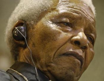 Экс-президент ЮАР Нельсон Мандела не посетит церемонию открытия ЧМ-2010 по футболу