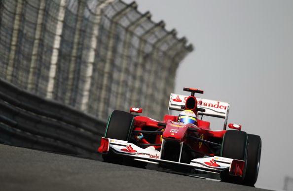 Гран-при Китая «Формулы -1»: Виталий Петров-12. Фоторепортаж