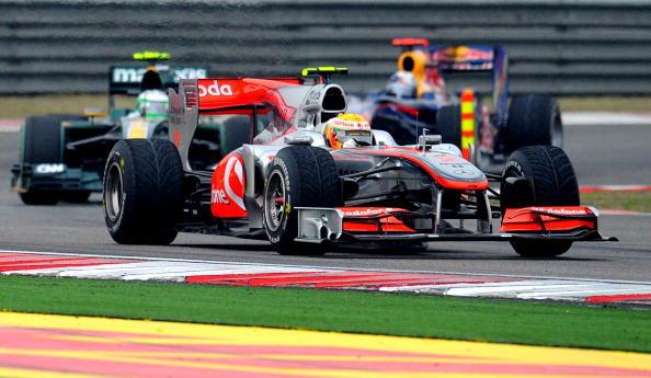 Виталий Петров финишировал седьмым на Гран-при Китая. Фоторепортаж