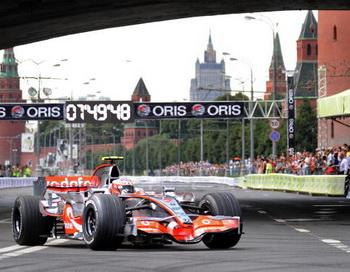 Формула-1 в Москве. Перед заездами болидов произошла авария