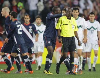 163 190610 BFsyd - Рефери матча Словения — США отстранят от ЧМ-2010 по футболу