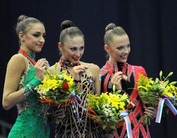 Евгения Канаева завоевала золото в упражнении с обручем на ЧМ по художественной гимнастике в Москве