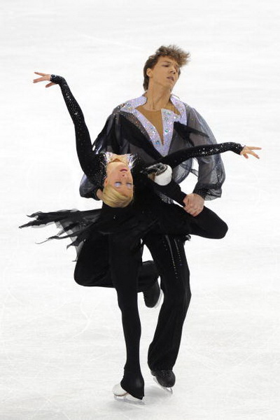 163 270310 30 FK - Канадцы Вирту и Мойр завоевали золото по фигурному катанию среди танцоров. Фото