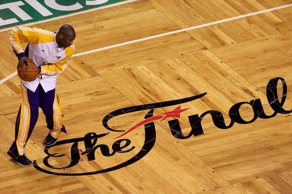 173 09 06 10 LA Boston 04 - «Лос-Анджелес Лейкерс» победил «Бостон Селтикс» в финальной серии плей-офф НБА. Фоторепортаж