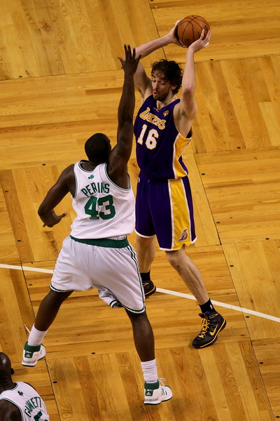 173 09 06 10 LA Boston 11 - «Лос-Анджелес Лейкерс» победил «Бостон Селтикс» в финальной серии плей-офф НБА. Фоторепортаж