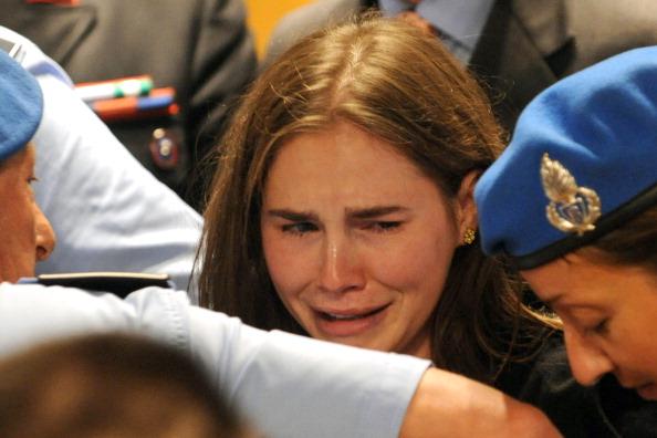 Аманда Нокс, обвиняемая в убийстве,  признана невиновной. Фоторепортаж из Перуджи