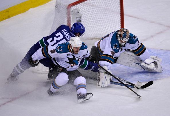 «Ванкувер» разгромил  «Сан-Хосе»  во  второй игре серии плей-офф со счетом  7:3. Фоторепортаж с матча