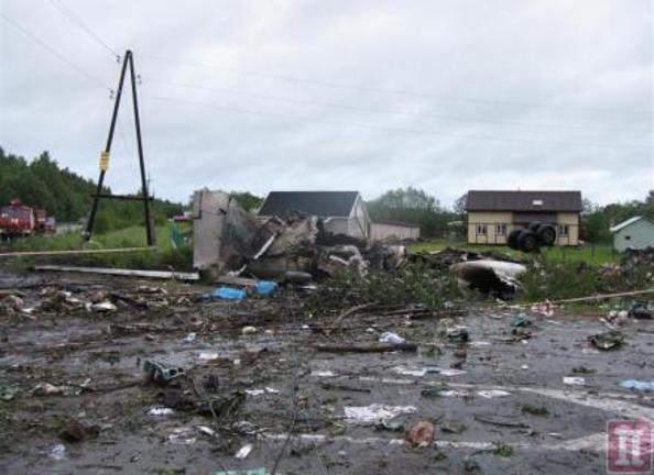 В авиакатастрофе под Петрозаводском погибли 44 человека, восемь человек эвакуируют в Москву