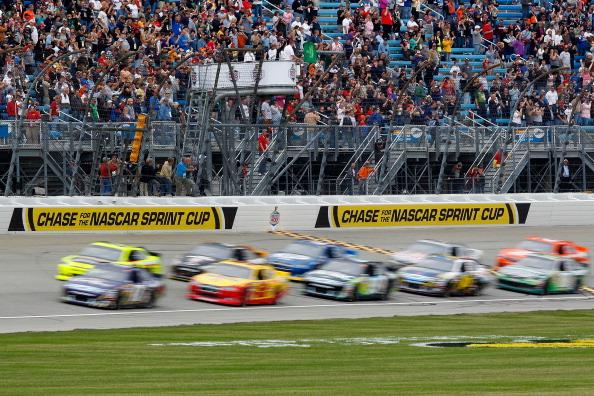 Фоторепортаж с авторалли NASCAR Sprint Cup серии GEICO 400 на скоростной трасе в Чикаго