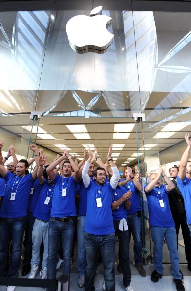 161 92511APPLE 04 - Apple открыл в Италии девятый магазин. Фоторепортаж из  Катании