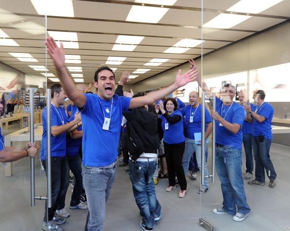 161 92511APPLE 10 - Apple открыл в Италии девятый магазин. Фоторепортаж из  Катании