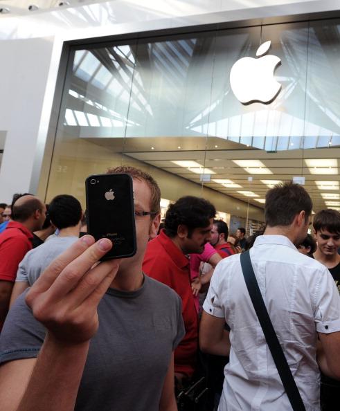 161 92511APPLE 15 - Apple открыл в Италии девятый магазин. Фоторепортаж из  Катании