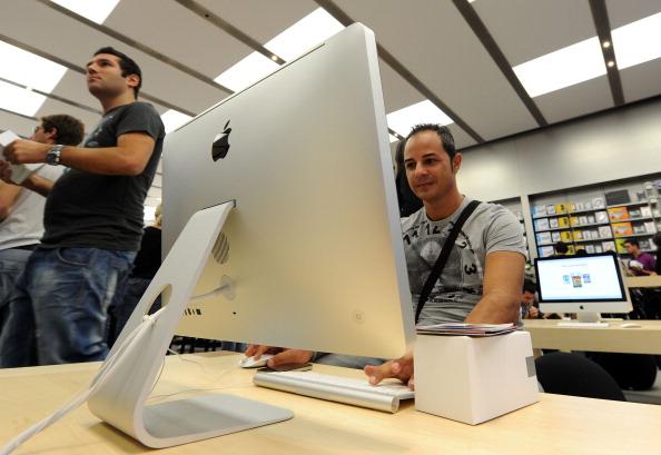 161 92511APPLE 17 - Apple открыл в Италии девятый магазин. Фоторепортаж из  Катании