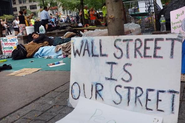 161 92611NY 08 - Фоторепортаж о демонстрантах на Уолл-стрит в Нью-Йорке