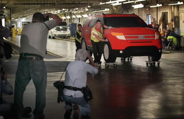 161 92711LEGO 03 - Автомобиль Ford Explorer LEGOLAND из 380 тысяч кубиков LEGO выпущен на заводе в Чикаго