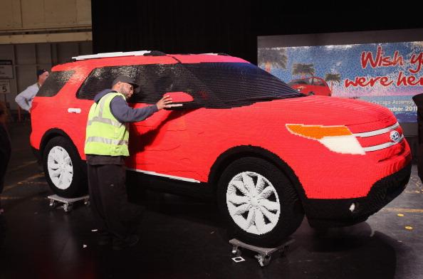 161 92711LEGO 04 - Автомобиль Ford Explorer LEGOLAND из 380 тысяч кубиков LEGO выпущен на заводе в Чикаго
