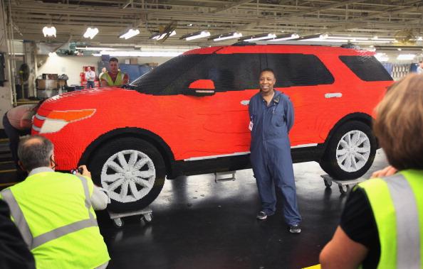 161 92711LEGO 06 - Автомобиль Ford Explorer LEGOLAND из 380 тысяч кубиков LEGO выпущен на заводе в Чикаго