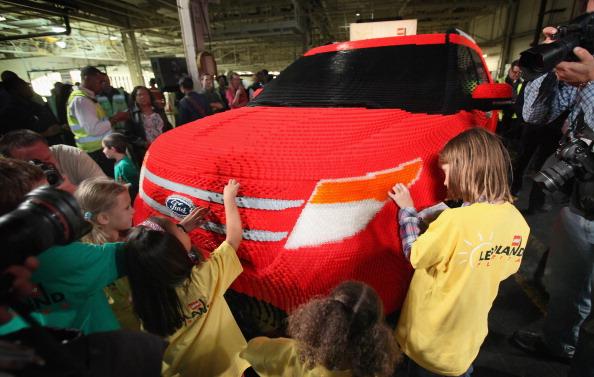 161 92711LEGO 08 - Автомобиль Ford Explorer LEGOLAND из 380 тысяч кубиков LEGO выпущен на заводе в Чикаго