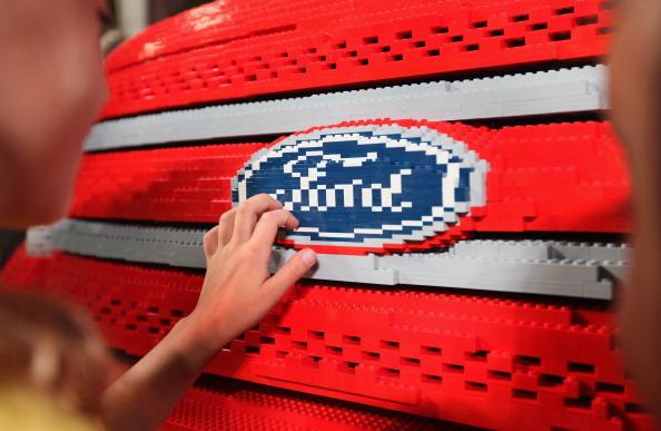 161 92711LEGO 10 - Автомобиль Ford Explorer LEGOLAND из 380 тысяч кубиков LEGO выпущен на заводе в Чикаго