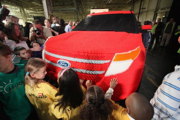 161 92711LEGO 11 - Автомобиль Ford Explorer LEGOLAND из 380 тысяч кубиков LEGO выпущен на заводе в Чикаго