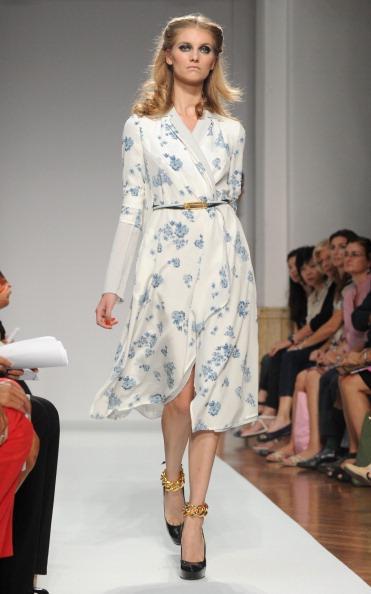 161 92811MODA 05 - Весна-лето 2012. Новые наряды для женщин от модного бренда Normaluisa на Неделе Миланской моды