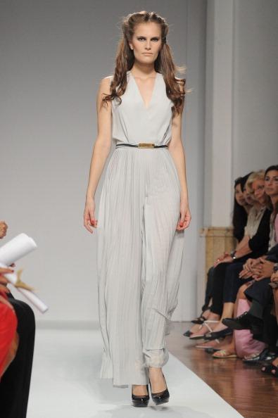 161 92811MODA 08 - Весна-лето 2012. Новые наряды для женщин от модного бренда Normaluisa на Неделе Миланской моды