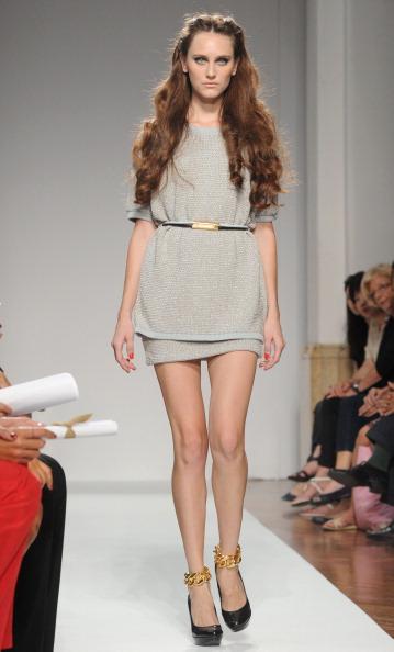 161 92811MODA 11 - Весна-лето 2012. Новые наряды для женщин от модного бренда Normaluisa на Неделе Миланской моды
