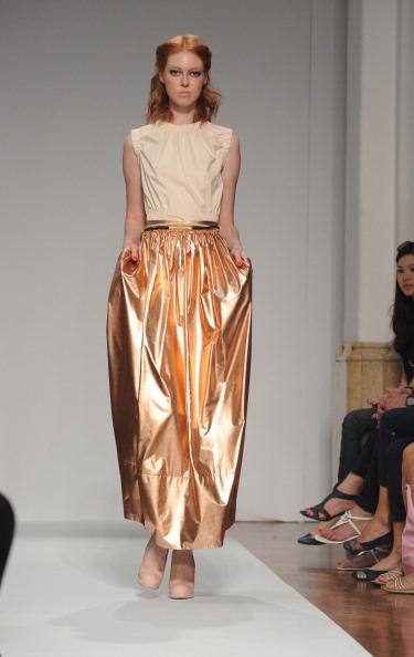 161 92811MODA 13 - Весна-лето 2012. Новые наряды для женщин от модного бренда Normaluisa на Неделе Миланской моды