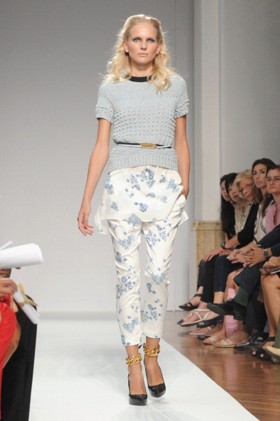 161 92811MODA 18 - Весна-лето 2012. Новые наряды для женщин от модного бренда Normaluisa на Неделе Миланской моды
