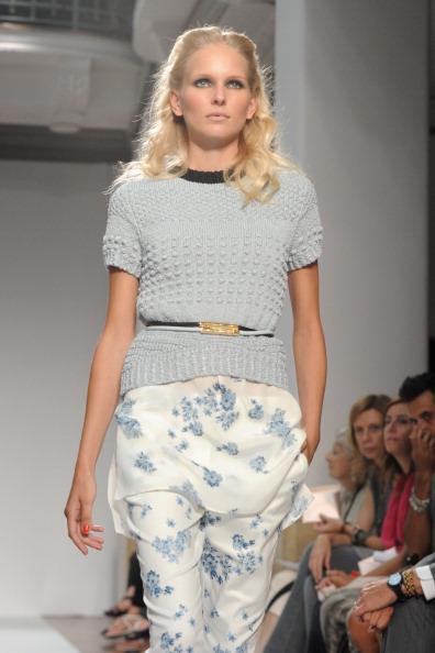 161 92811MODA 28 - Весна-лето 2012. Новые наряды для женщин от модного бренда Normaluisa на Неделе Миланской моды