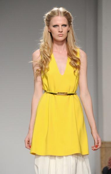 161 92811MODA 30 - Весна-лето 2012. Новые наряды для женщин от модного бренда Normaluisa на Неделе Миланской моды
