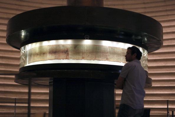 161 92811SVitki 8 - Cвитки Мертвого моря теперь доступны для обозрения в музее Иерусалима и  Интернете