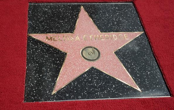 161 92811ZVEZDA 01 - Звезда Мелиссы Этеридж засияла на Аллее Славы в Голливуде