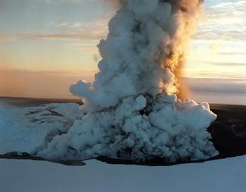 Исландский вулкан успокоился