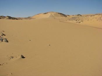 Граждане России застряли в ливийской пустыне
