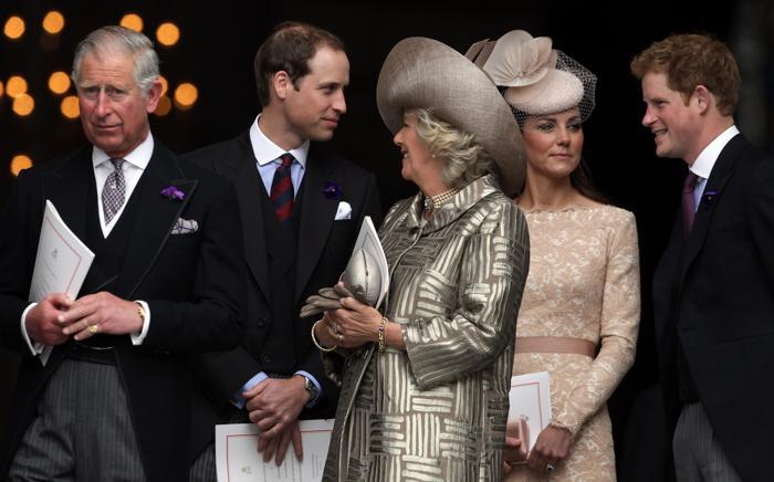 Екатерина и другие члены королевской семьи на службе благодарения в соборе Святого Павла