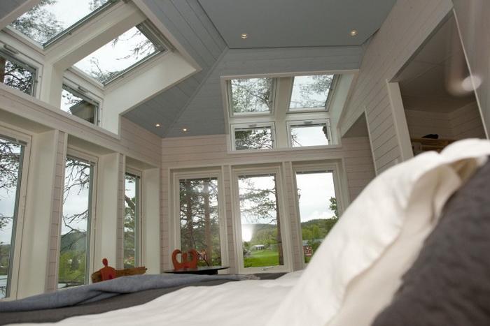 161 Hackspett sommarbild 4 - Шведский гостиничный комплекс построен по образцу птичьих гнёзд