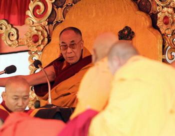 Преемником Далай-ламы определен  мальчик из Монголии